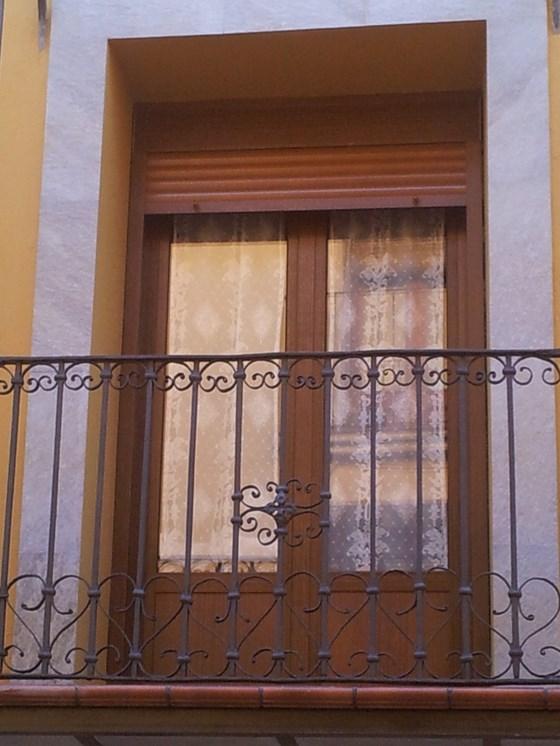 Trabajos realizados alufema ventanas de aluminio en for Ventanas de aluminio imitacion madera