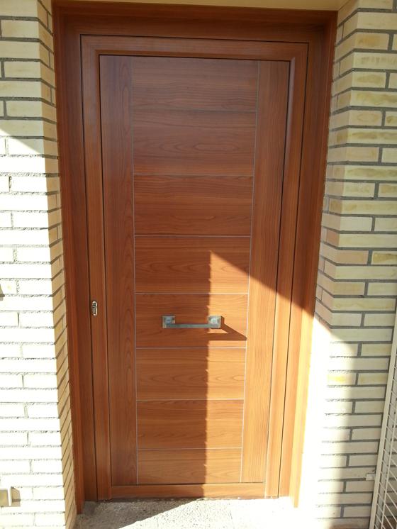 Puertas de aluminio imitacion madera exterior precios top Puertas calle aluminio precios